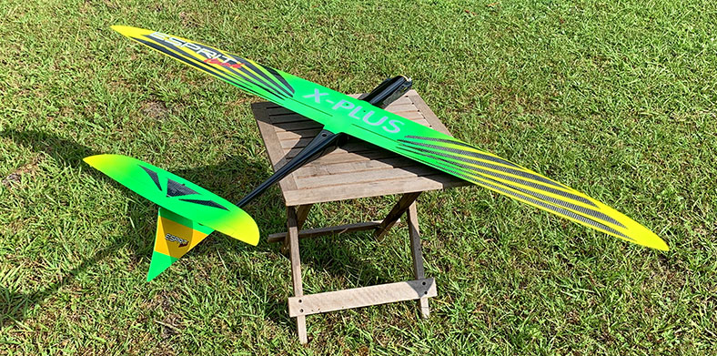Store Display Yuri Virchenko Carbon Fiber X-Plus w/Flaps Hotliner Green (Receiver and Battery Ready)